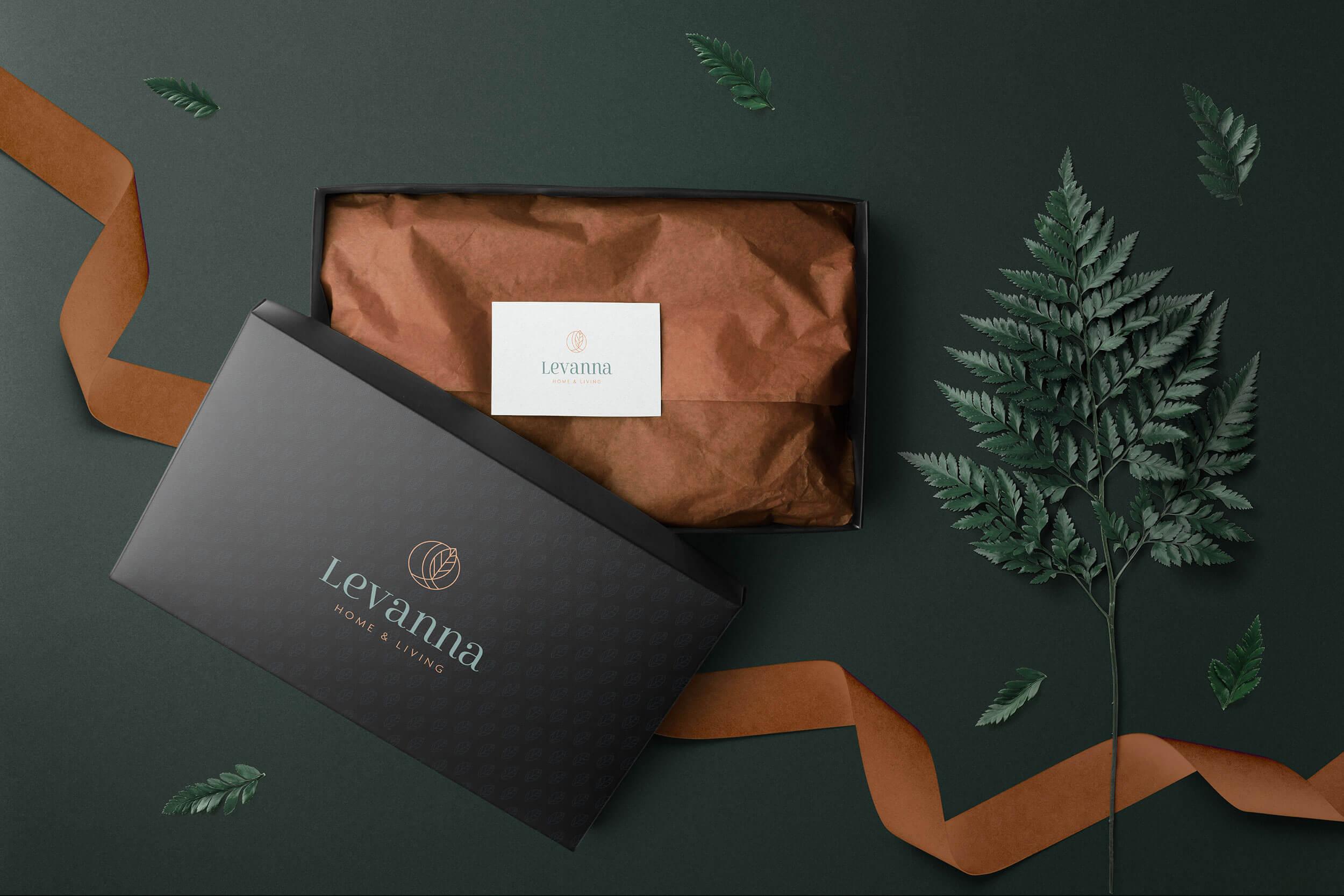 levanna_floral_box